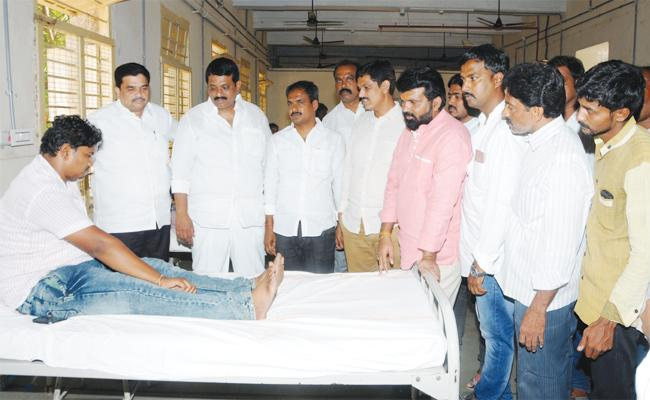 CI Narayana Reddy Attcks on YSRCP Leaders Anantapur - Sakshi