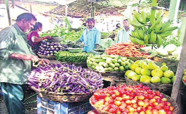 vegetable prices Hikes in market - Sakshi