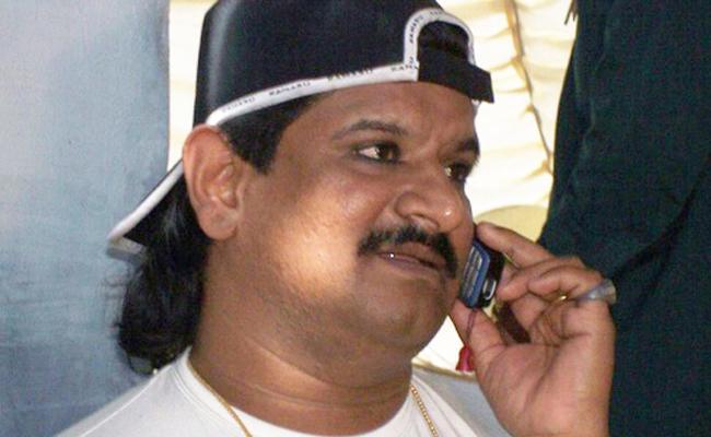 Gangster Nayeem Assets Worth Is Rs 2000 Crores - Sakshi