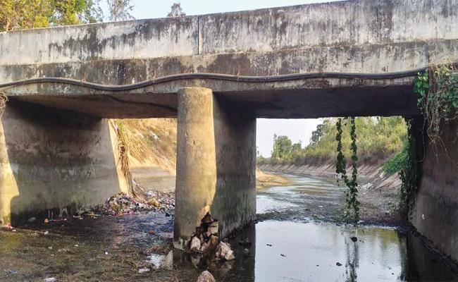 Canal Bridge in Danger Position Srikakulam - Sakshi