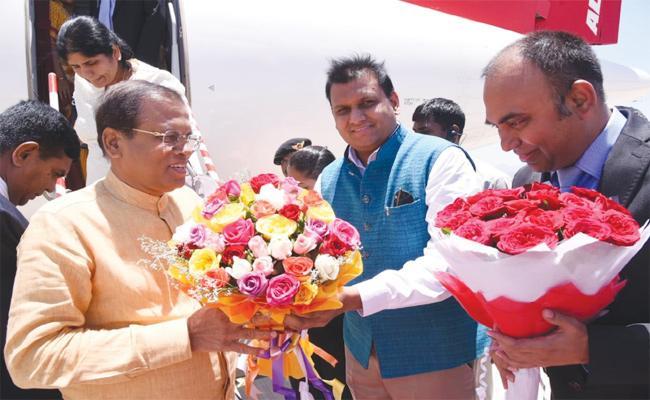 Srilanka President Visit Tirumala Tirupati Temple - Sakshi