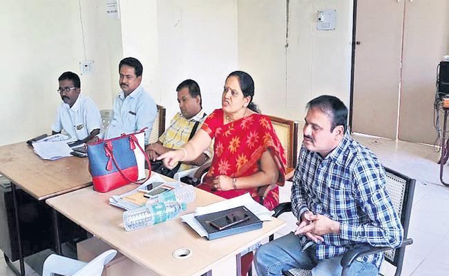 Govt Teachers To Notice Releases Education Department Warangal - Sakshi