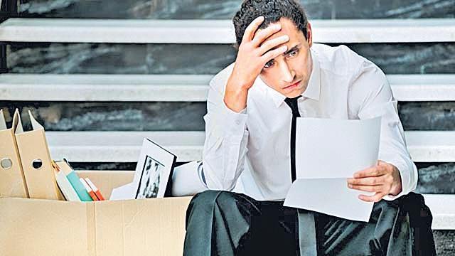 50 lakh people lost jobs since demonetisation - Sakshi