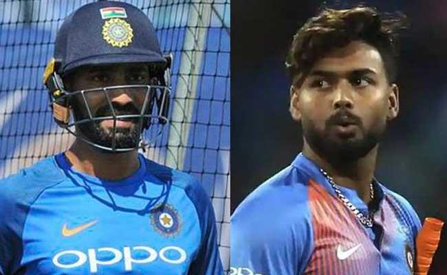 Dinesh Karthik Asks If I Can Share Dressing Room With MS Dhoni and Why Can Not Pant - Sakshi