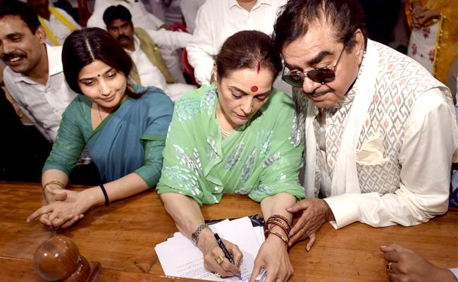 Shatrughan Sinha Accompanied Wife Poonam As She Filed Her Nomination Papers   - Sakshi