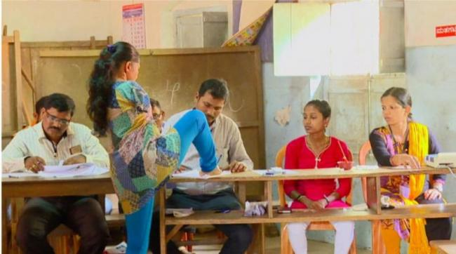 Shabbita Monish A Differently Abled Woman Cast Her Vote in Mangalore - Sakshi