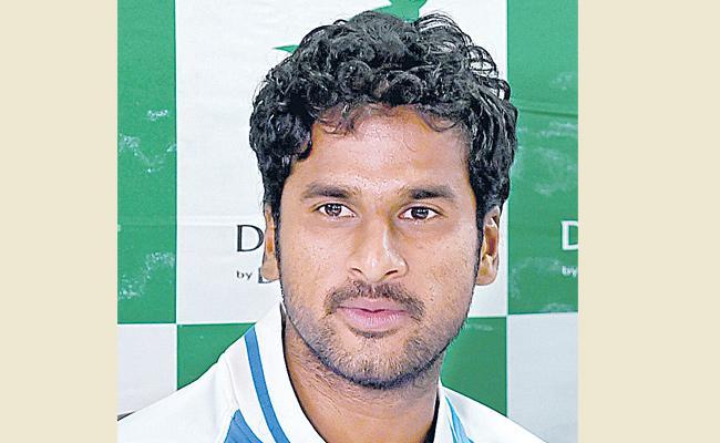 Prajnesh Gunneswaran and Saketh Myneni qualifies for Doubles quarter-finals - Sakshi