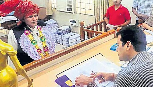 Rajghat janitor in Gurgaon Lok Sabha constituency - Sakshi