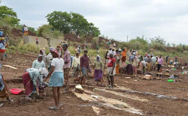 MGNREGA Employment Lakhs Of People In Telangana - Sakshi
