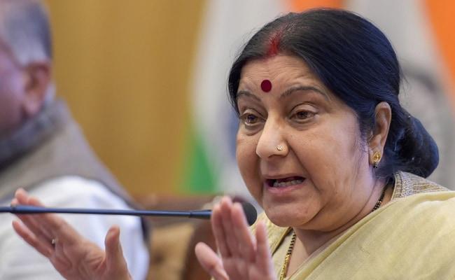 Sushma Swaraj Reply When Indian In Saudi Tweets Should I Kill Myself - Sakshi