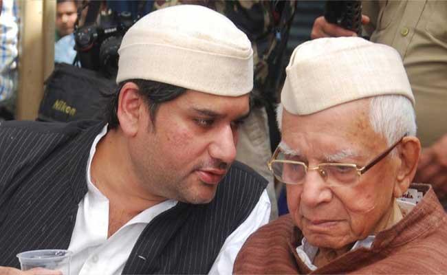 ND Tiwaris Son Rohit Shekar Was Smothered Said By Delhi Police - Sakshi