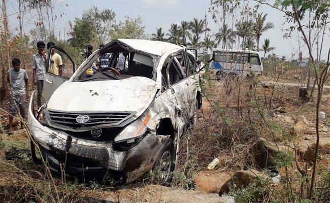 Three Died in Car Accident Chittoor - Sakshi