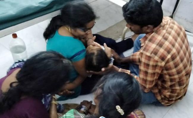 Girl Child Died in Hospital Vizianagaram - Sakshi