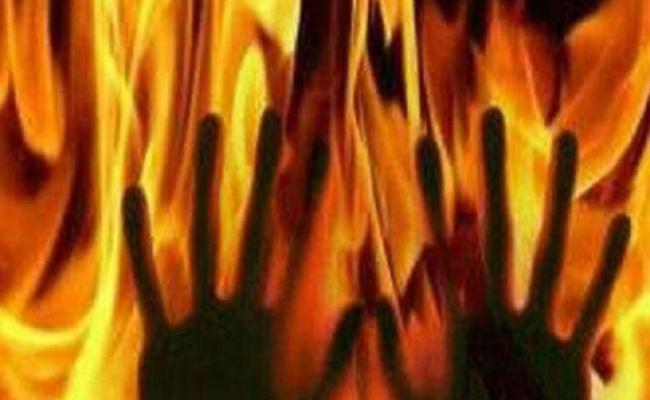 Woman Burnt Alive In Mahabubnagar - Sakshi