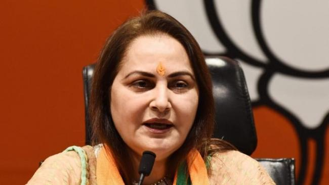 Jaya Prada slams Akhilesh Yadav for inaction - Sakshi