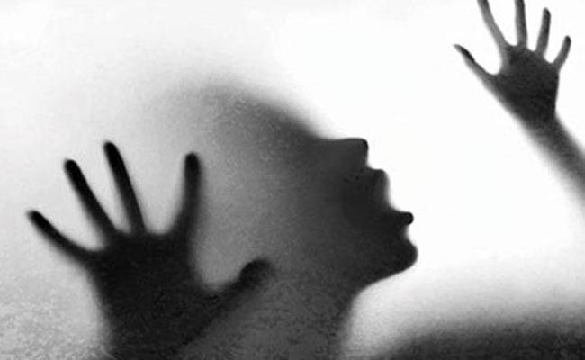 Molestation on Young Women in Hyderabad - Sakshi