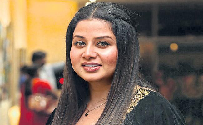Court cases are running on propertys Says Actress Sangeetha - Sakshi