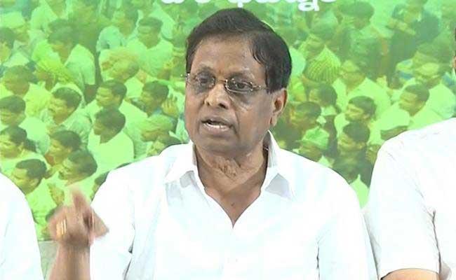 YSRCP Leader Dhadi Veerabhadra Rao Slams Chandrababu Naidu In Visakhapatnam - Sakshi