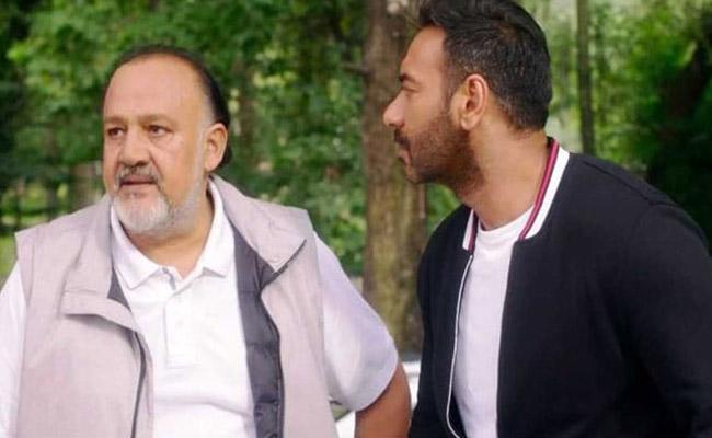 Ajay Devgn Trolled For Acting With Alok Nath In De De Pyaar De - Sakshi