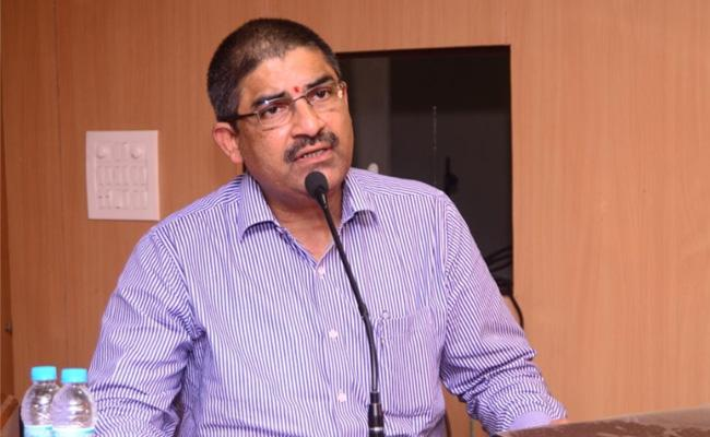 AP CS L V Subramanyam Meeting With IAS Officers - Sakshi
