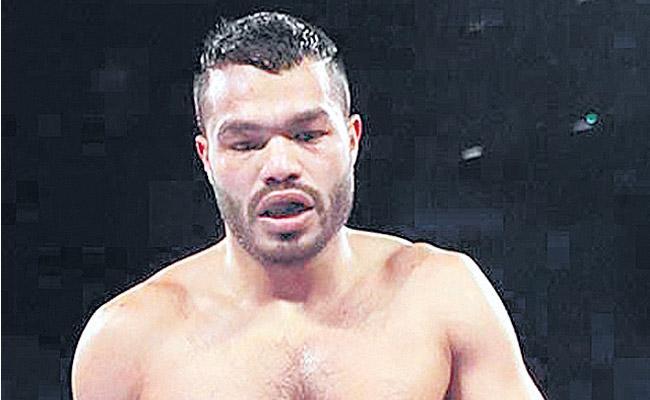 Vikas Krishan to fight Noah Kidd in second pro bout - Sakshi