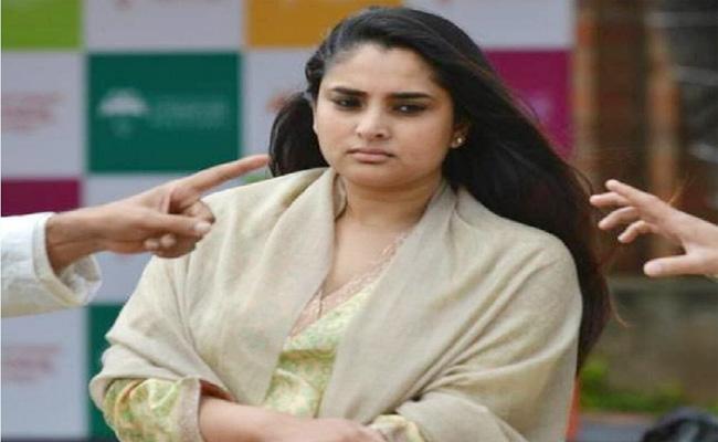 Ramya Miss Her Vote Right in Karnataka - Sakshi