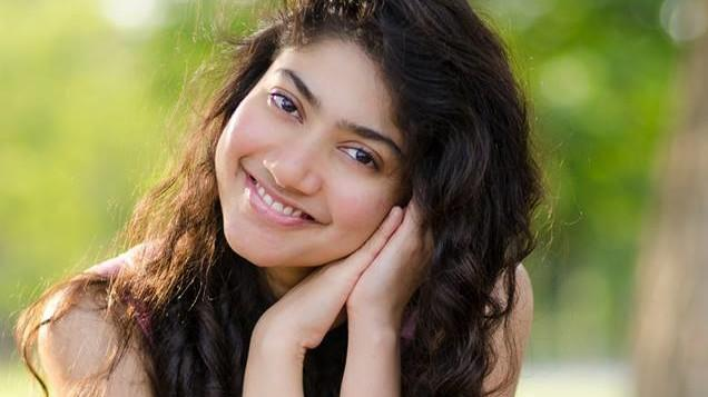 Sai Pallavi Wants To Act In Message Oriented Film - Sakshi