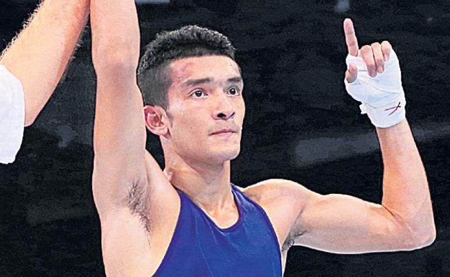 Asian Boxing Championships: Shiva Thapa breezes into pre-quarters - Sakshi