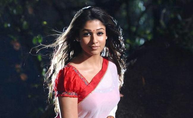 Nayanatara Is Enters Into Small screen - Sakshi