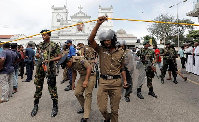 Sri Lanka Top Cop Had Warned Of Suicide Attack - Sakshi