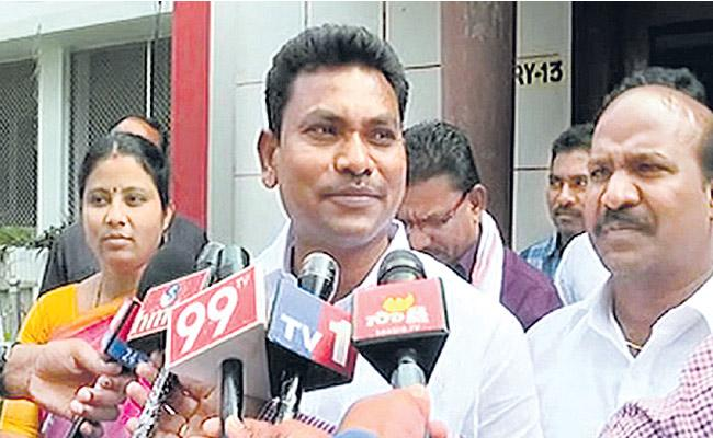 Another 3Congress MLAs to quit and join TRS - Sakshi