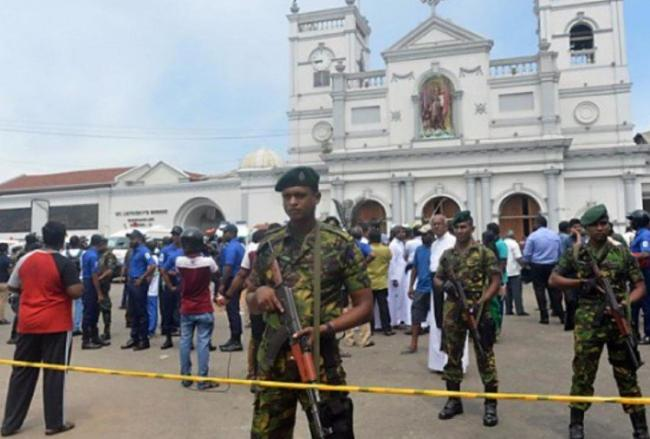 SriLanka Police Find Bomb Detonators At Colombos Main Bus Stand - Sakshi