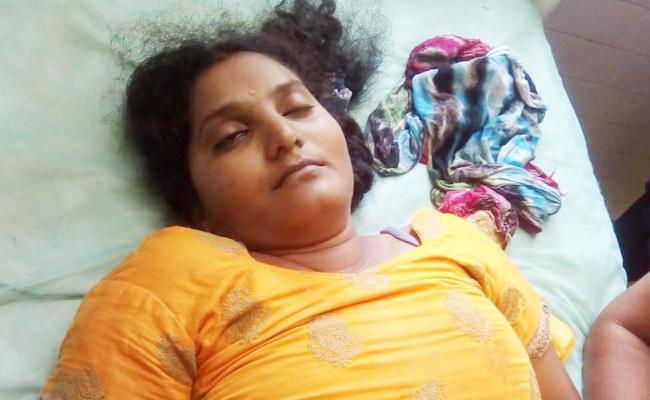 Young Women Died in Bike Accident Guntur - Sakshi