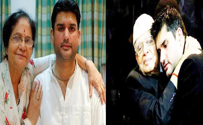 ND Tiwari Wife Accuses Her Daughter In Law Trying To Take Property Over Rohit Murder Case - Sakshi