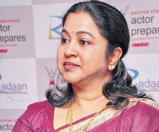 Radhika Sarathkumar escapes from blasts in Sri Lanka Bomb Blasts - Sakshi