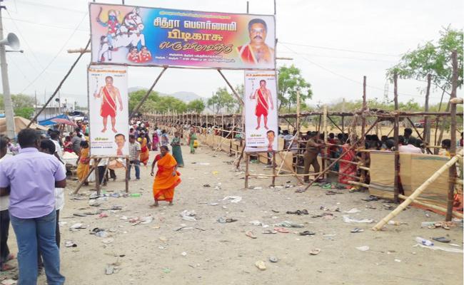 Seven Members Died in Temple Festival Tamil Nadu - Sakshi