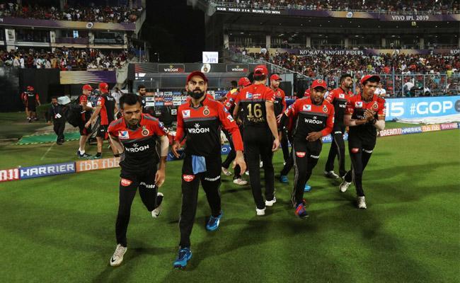 IPL 2019 RCB Beat CSK In Thriller At Chinnaswamy Stadium Bangalore - Sakshi