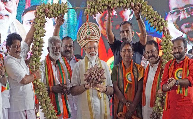 Hundreds Of Cases Against Kerala Candidates - Sakshi
