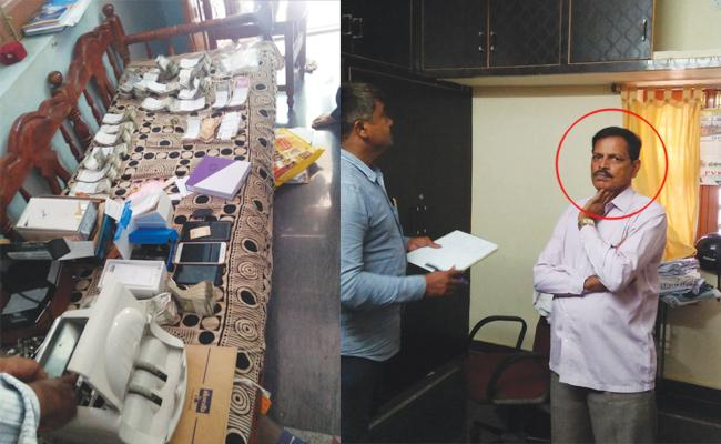 Sub Registrar Officer Arrest in ACB Ride - Sakshi
