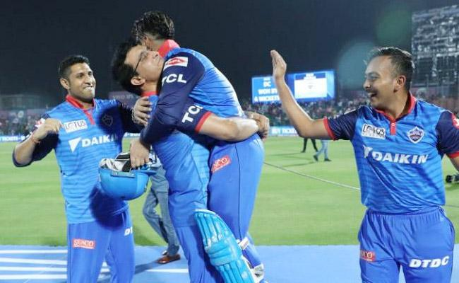 Rishabh Pant Says Felt Happy When Ganguly Lifted Him - Sakshi