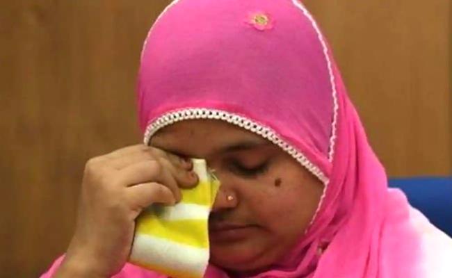 Gujarat Govt to Give Bilkis Bano Rs 50 Lakh as Compensation a Job - Sakshi