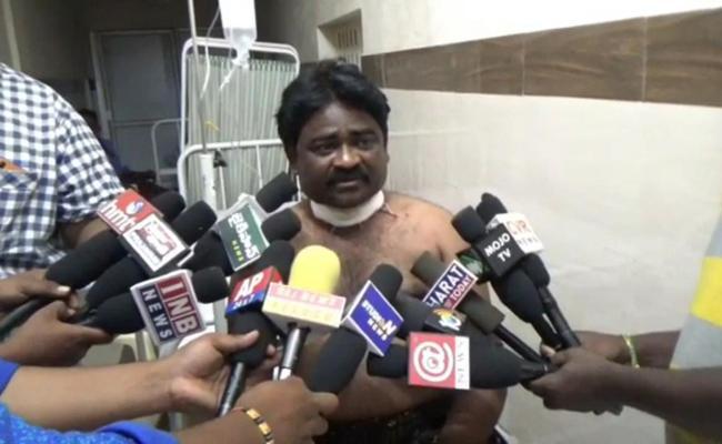 Man Cuts Lover Fathers Neck In East Godavari - Sakshi