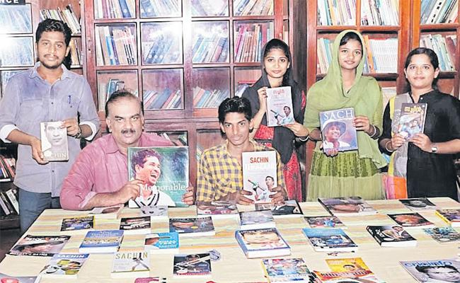 Kerala Professor Vashish set up a special library on Sachin - Sakshi