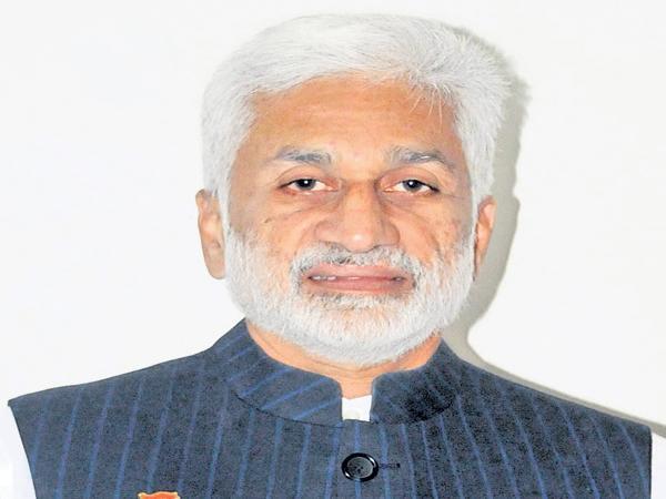 VijayaSai Reddy Comments On Chandrababu And Yanamala - Sakshi