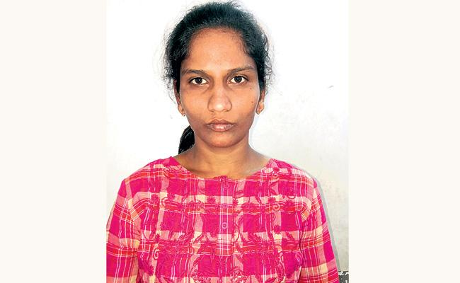 Woman Arrested in Cell Phone Robbery Case - Sakshi