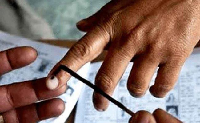 65 Point 61 Persentage Polling Recorded in the Third Phase of Lok Sabha - Sakshi