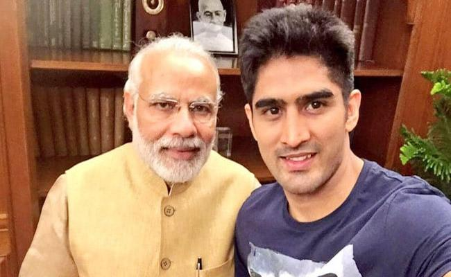 Vijender Singh Slams PM Modi Says He Cannot Fulfill His Promises - Sakshi