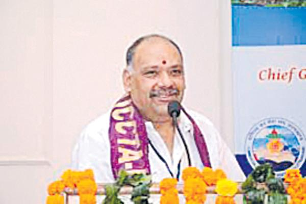 AP Govt Employees Union Demands for Radhakrishna Should Apologize  - Sakshi