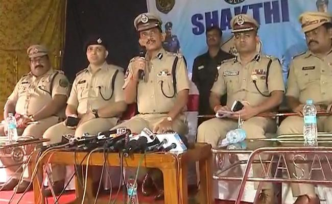AP DGP RP Thakur Comments On Visaka Rave Party - Sakshi