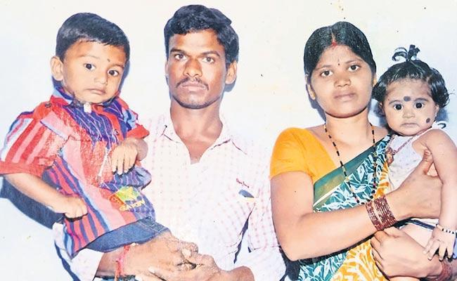 Mother Set Fire To Two Kids in Kurnool - Sakshi